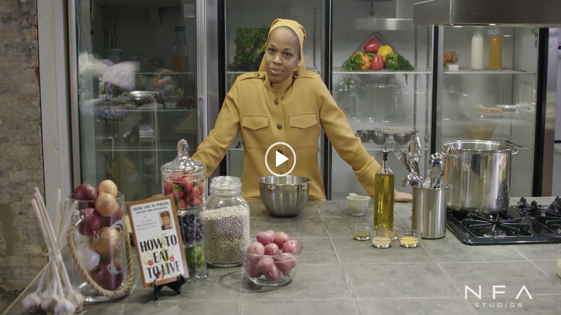 How To Eat To Live – Navy Bean Soup with Haniyyah Muhammad